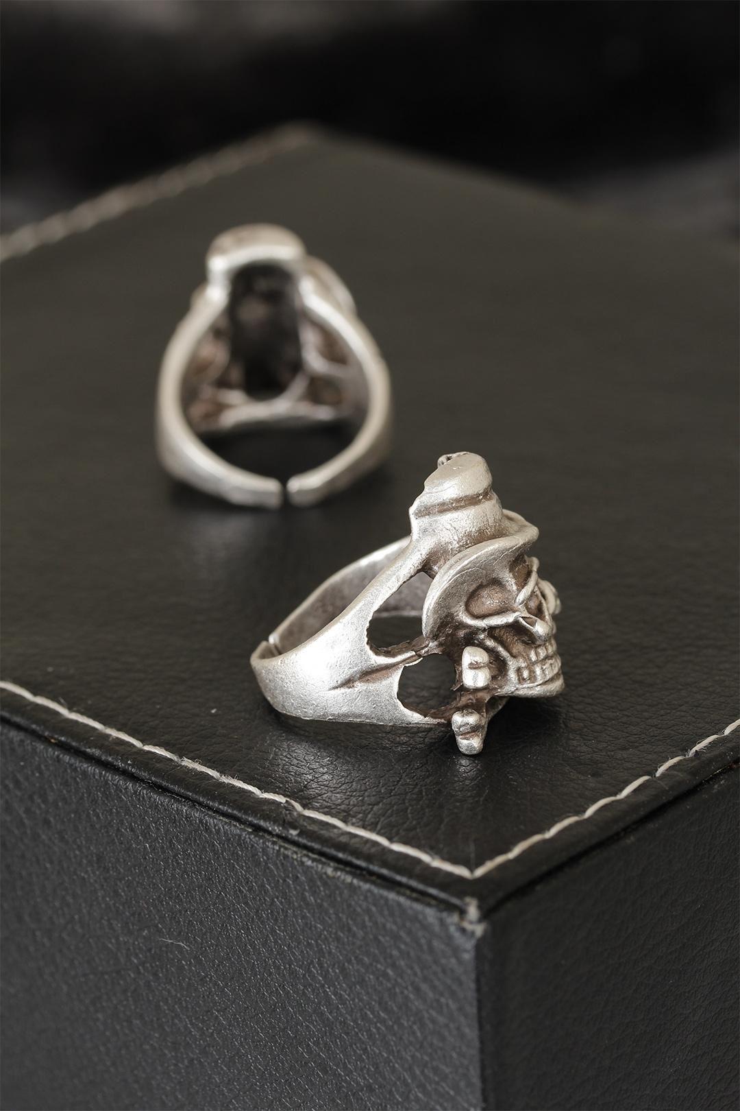 Kuru Kafa Tasarımlı Eskitme Gümüş Renkli Ayarlamalı Model Erkek Yüzük