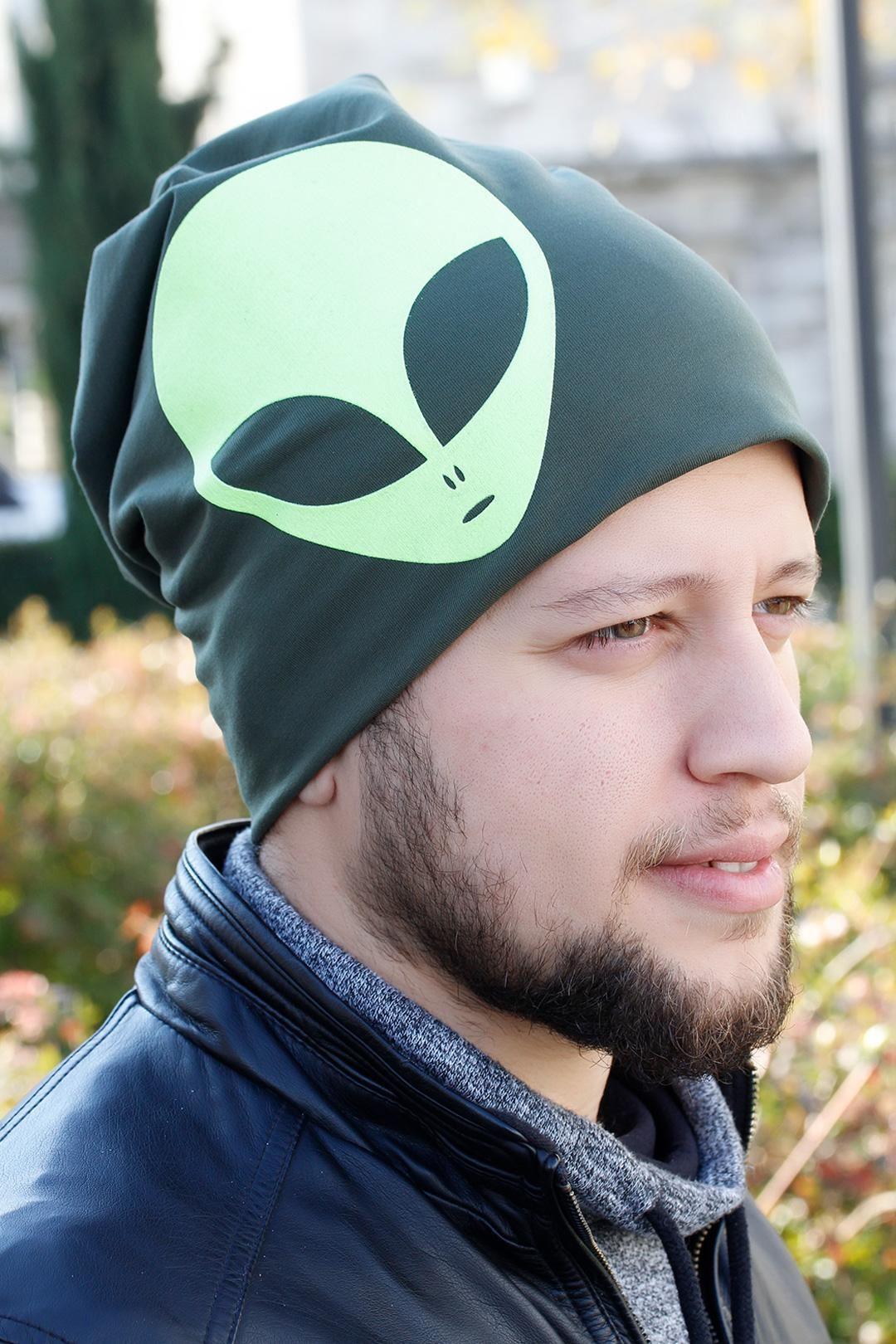 Yeşil Renk Alien Figürlü Erkek Bere