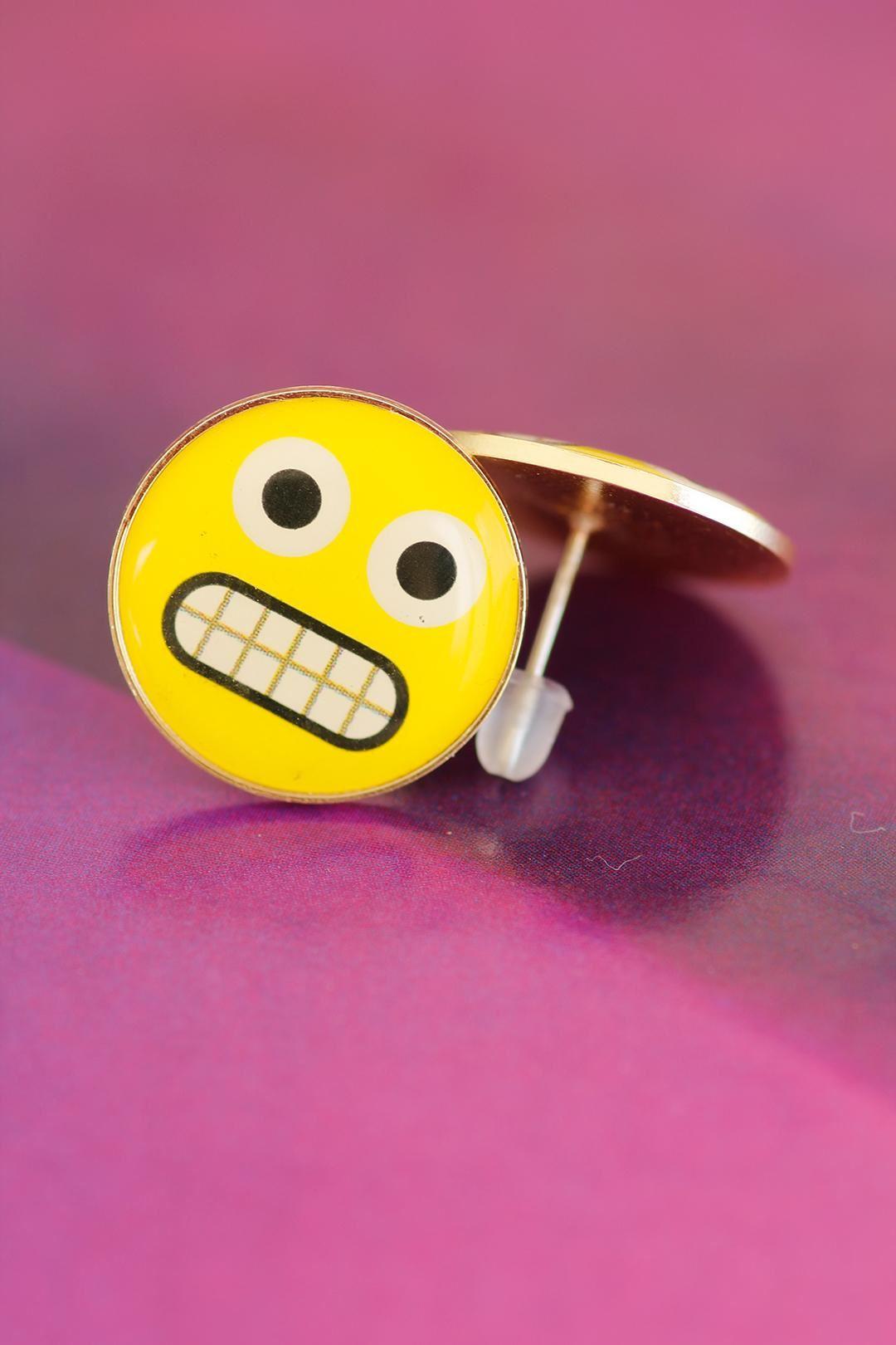 Emoji Tasarımlı Sarı Yuvarlak Kızgın İfade Yüzlü Bayan Küpe Modeli