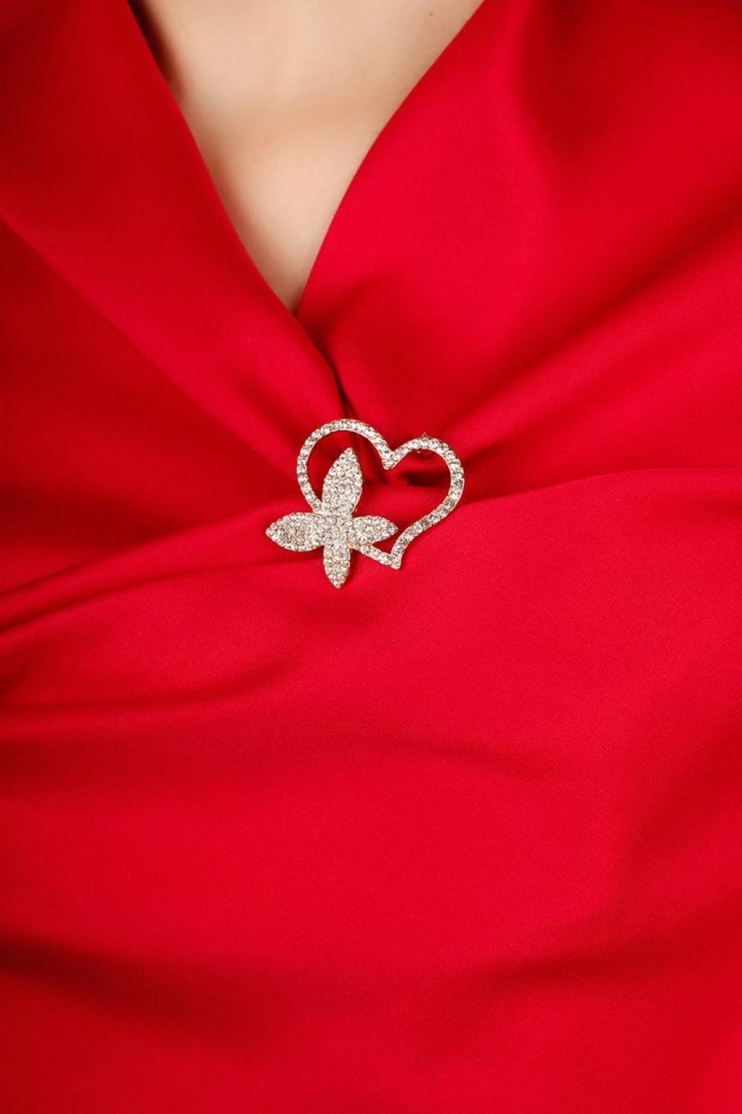 Gold Parlak Taşlı Kalpli Trend Tasarım Bayan Broş
