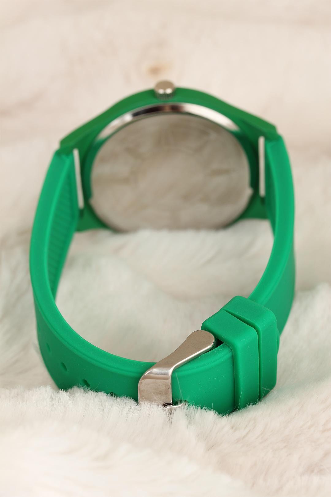 Yeşil Renk Silikon Kordon Spor Bayan Saat