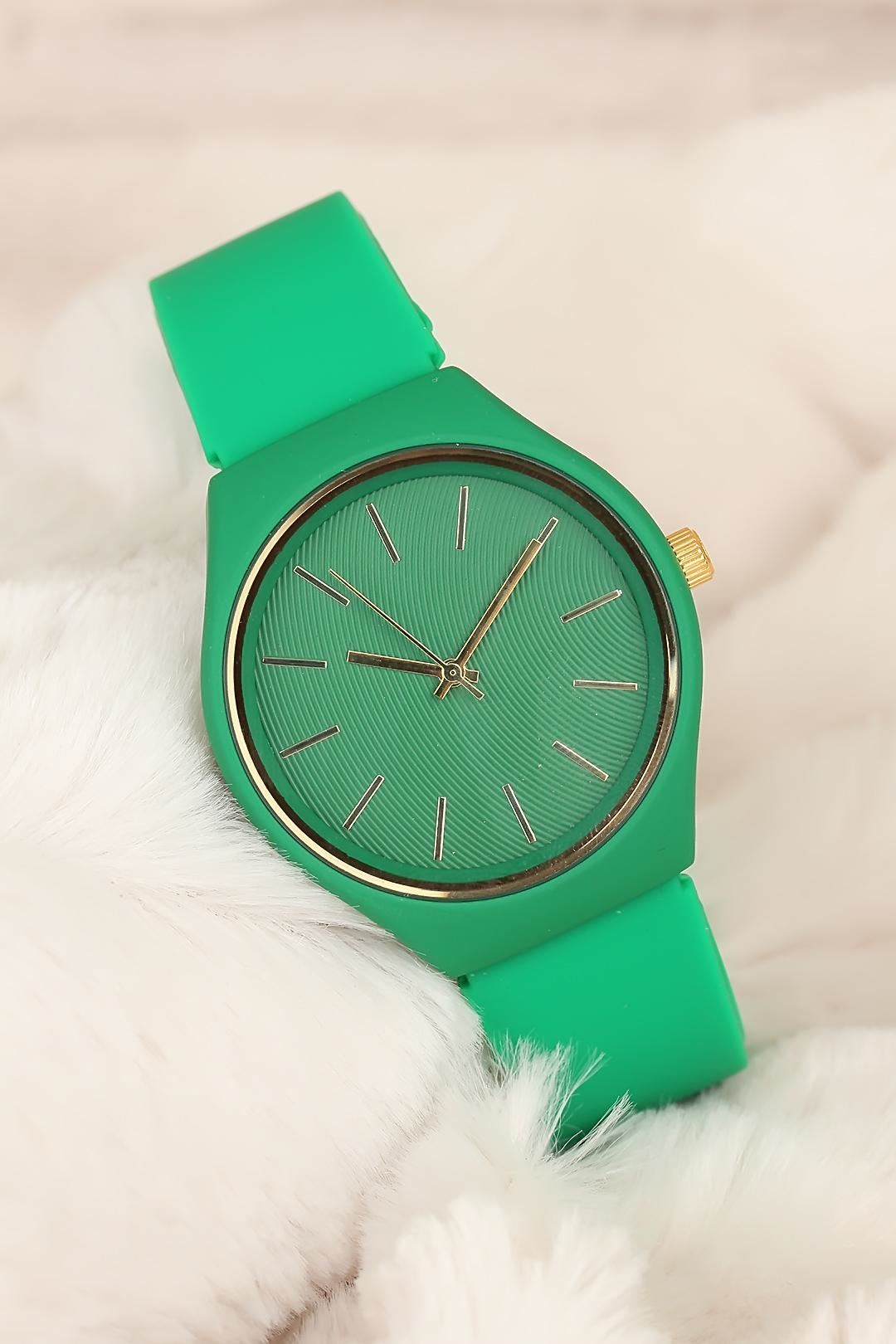 Yeşil Renk Silikon Kordonlu Bayan Kol Saati Saat