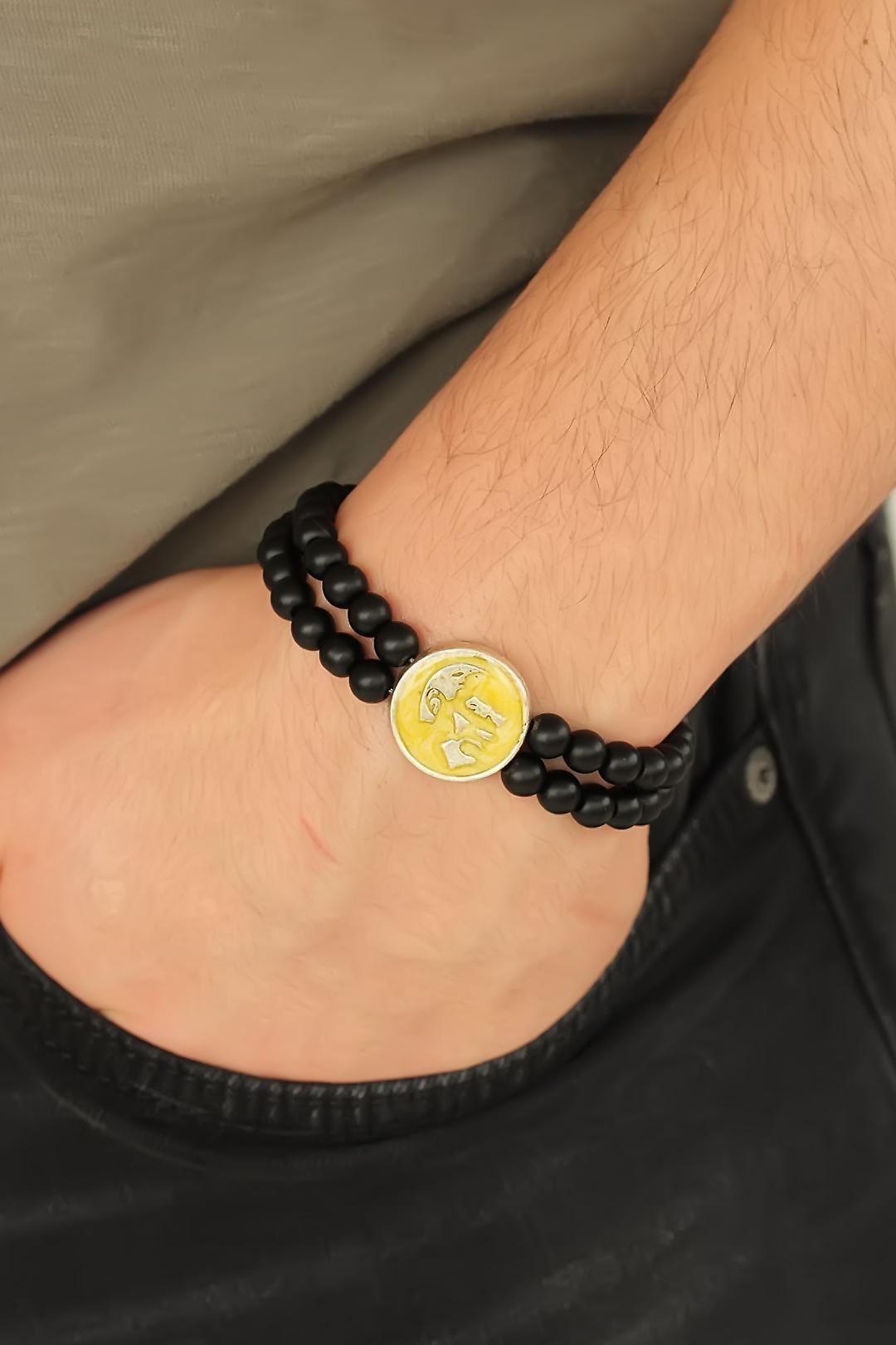 Sarı Renk Metal Atatürk Portresi Tasarımlı Siyah Renk Mat Oniks Doğal Taş Erkek Bileklik