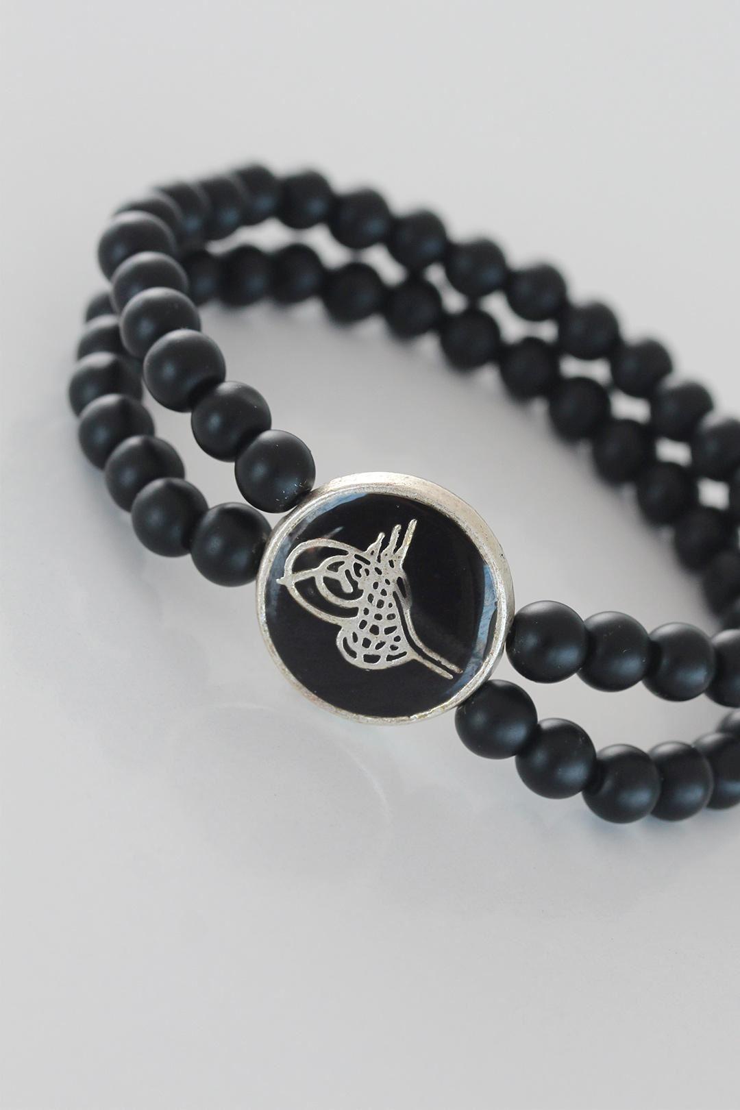 Siyah Metal Üzerine Silver Osmanlı Tuğra Figürlü Siyah Renk Çift Sıra Doğal Taş Erkek Bileklik