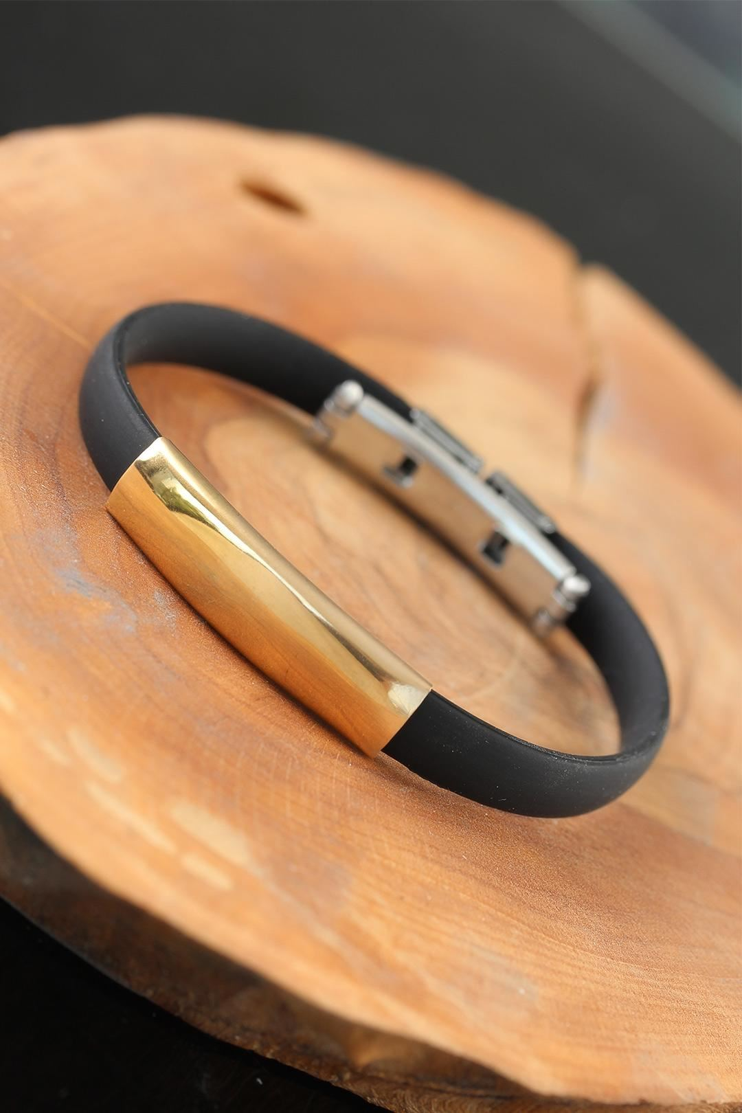 Gold Renk Metal Tasarım Siyah Renk Silikon Erkek Bileklik
