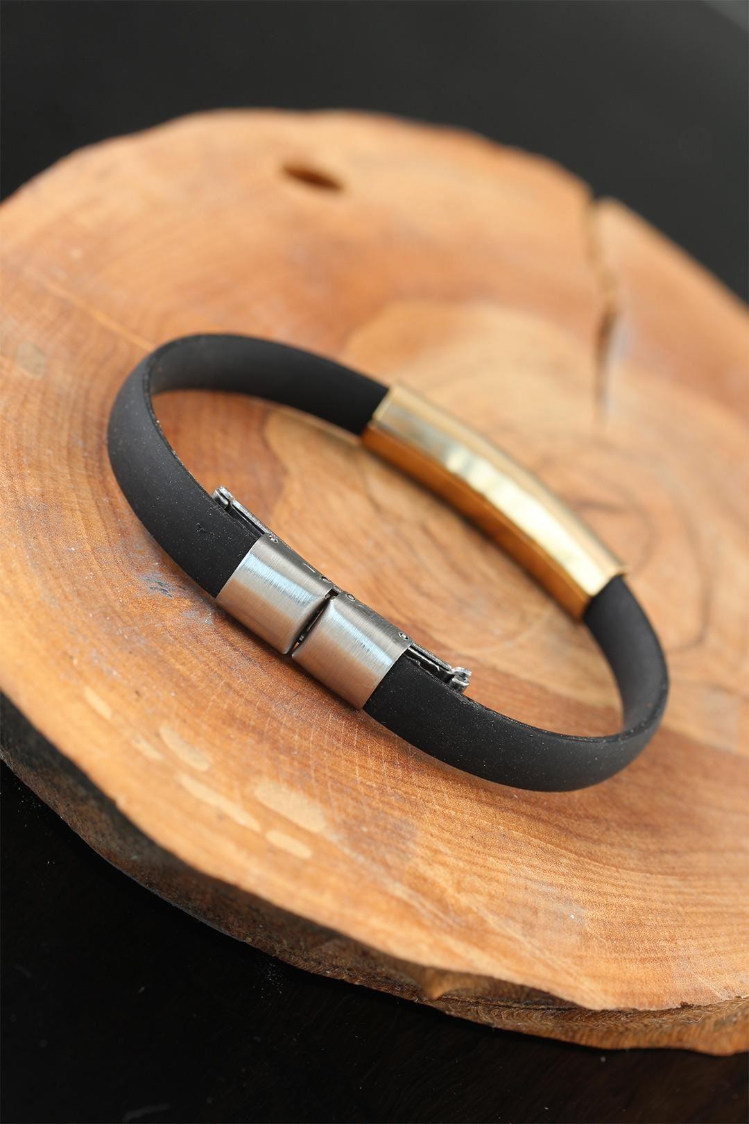 Gold Renk Metal Labirent Tasarım Siyah Renk Silikon Erkek Bileklik