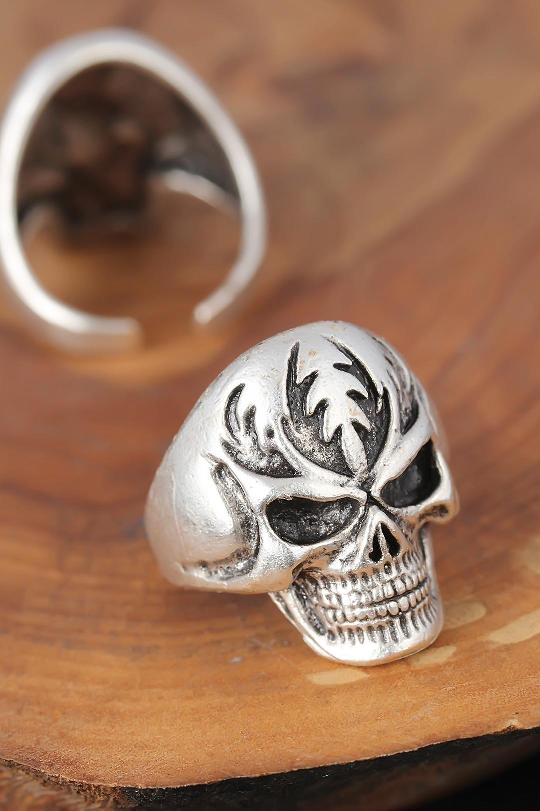 Metal Kuru Kafalı Gümüş Renk Erkek Yüzük