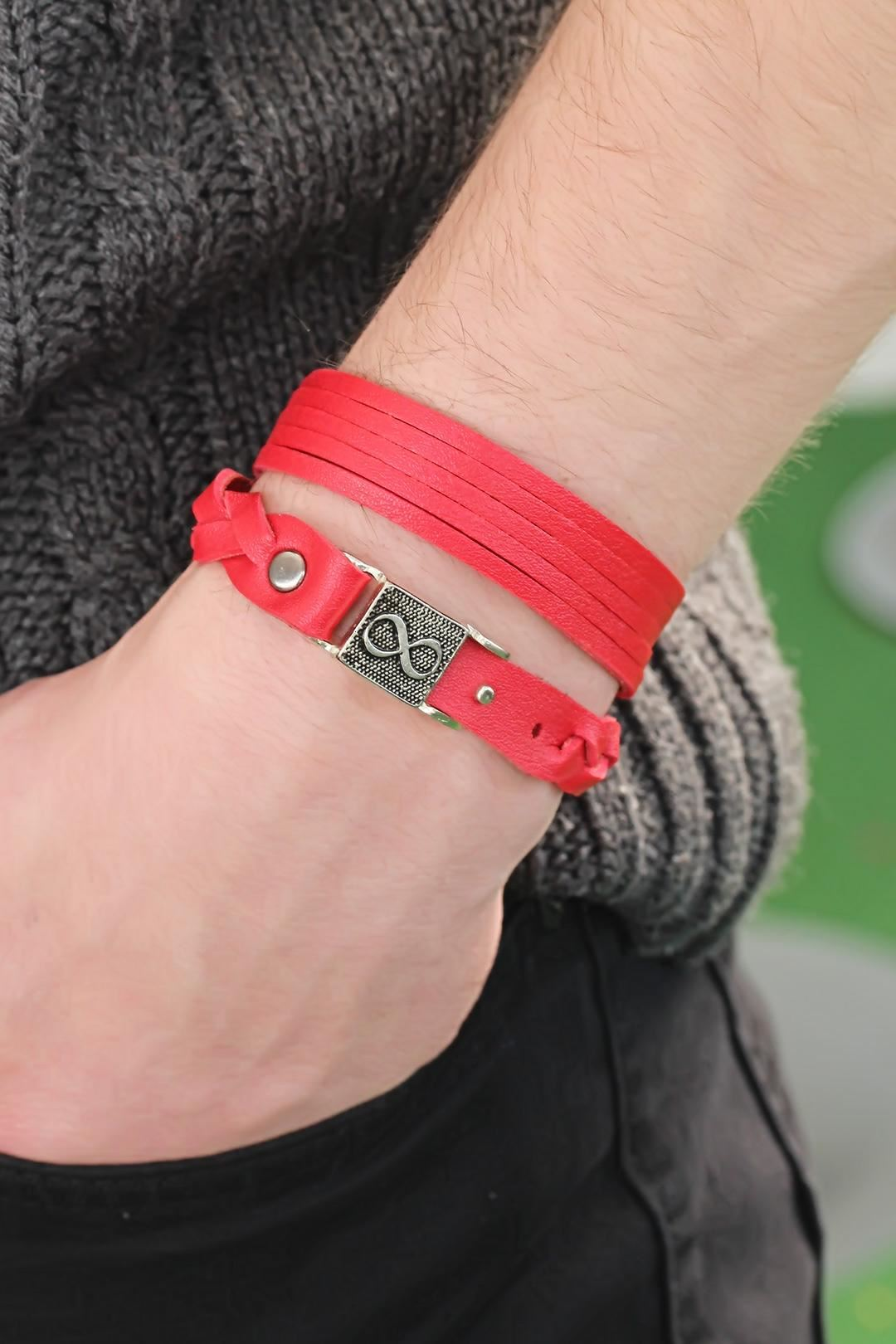 Desenli Metal Aksesuarlı Kırmızı Renk Deri Erkek Bileklik Kombin