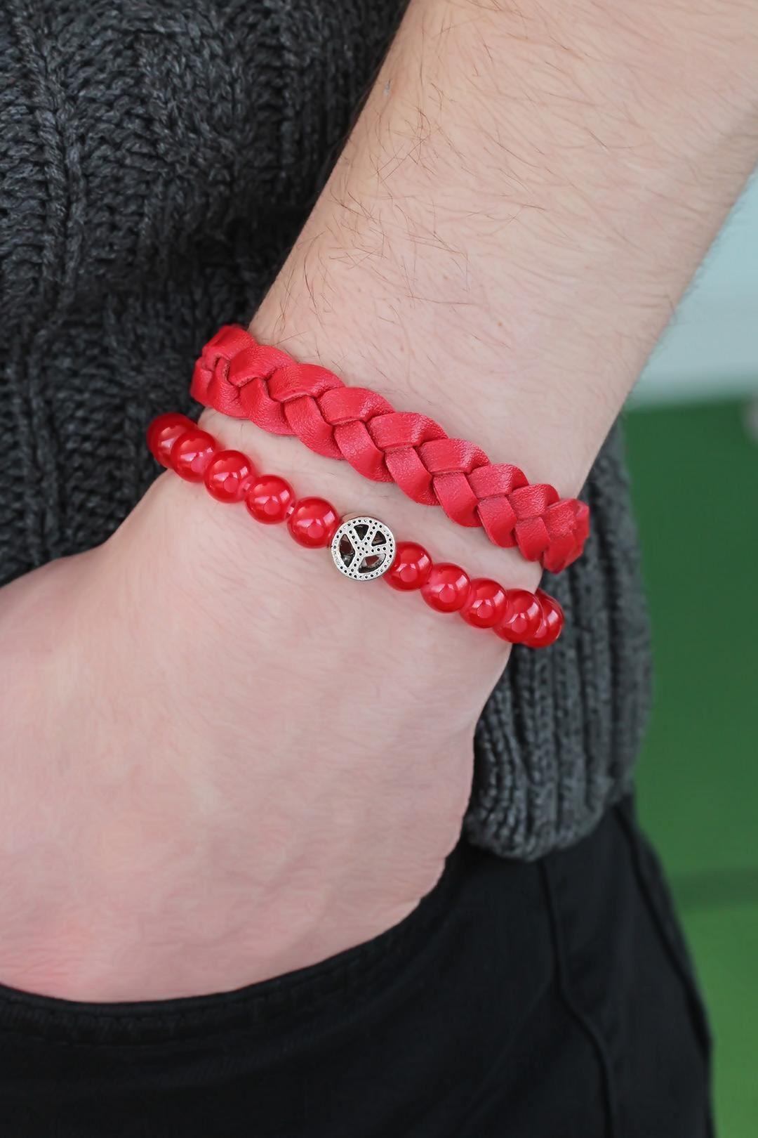 Kırmızı Renk Boncuklu Örgü Erkek Bileklik Kombin