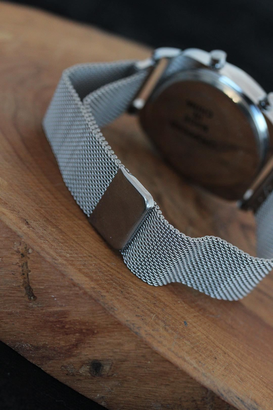 Gümüş Renk Metal Kasa Gümüş Renk Hasır Kordonlu Dijital Led Erkek Saati