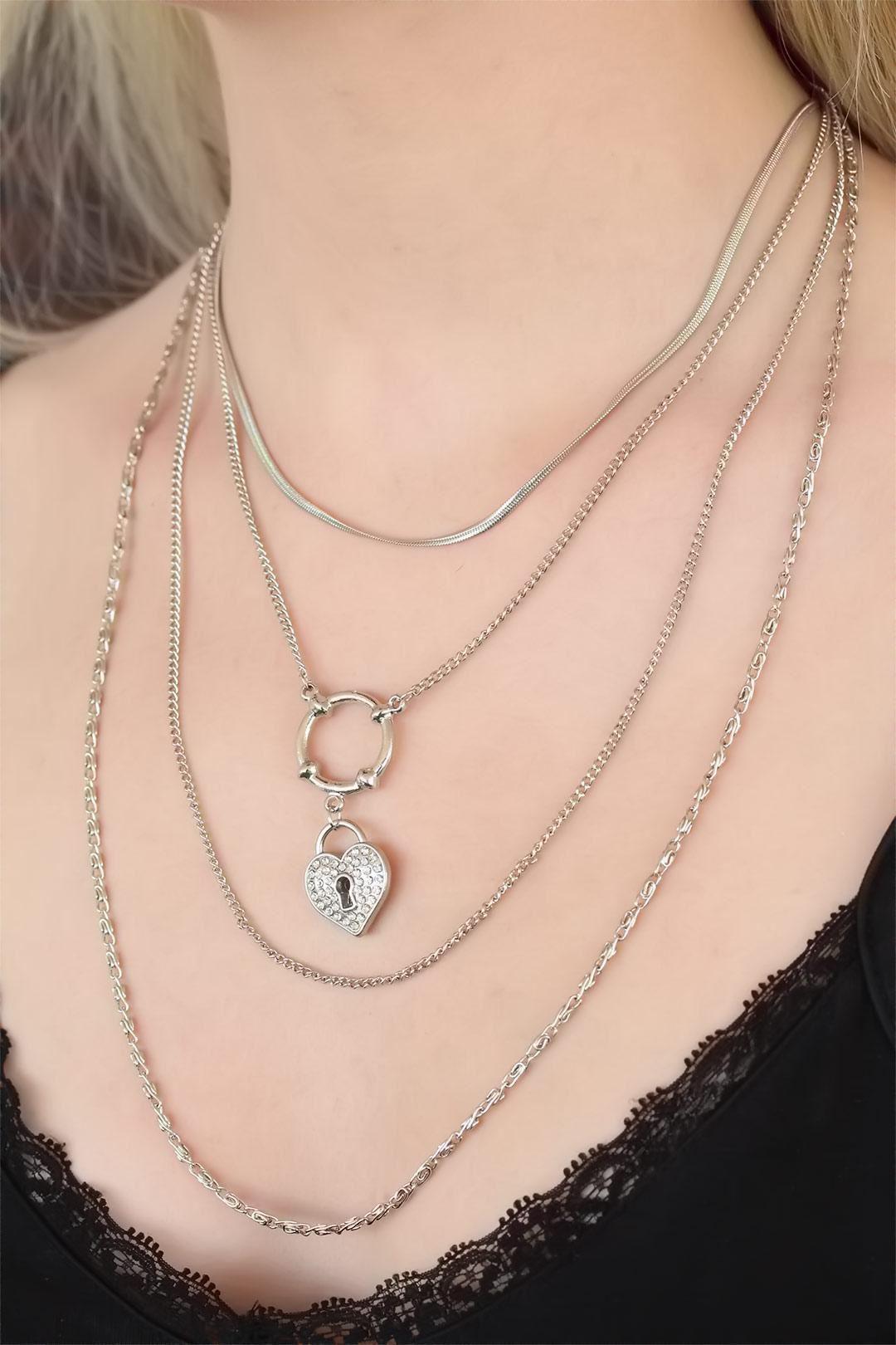 Kalpli Detaylı Silver Renk Renk Kolye