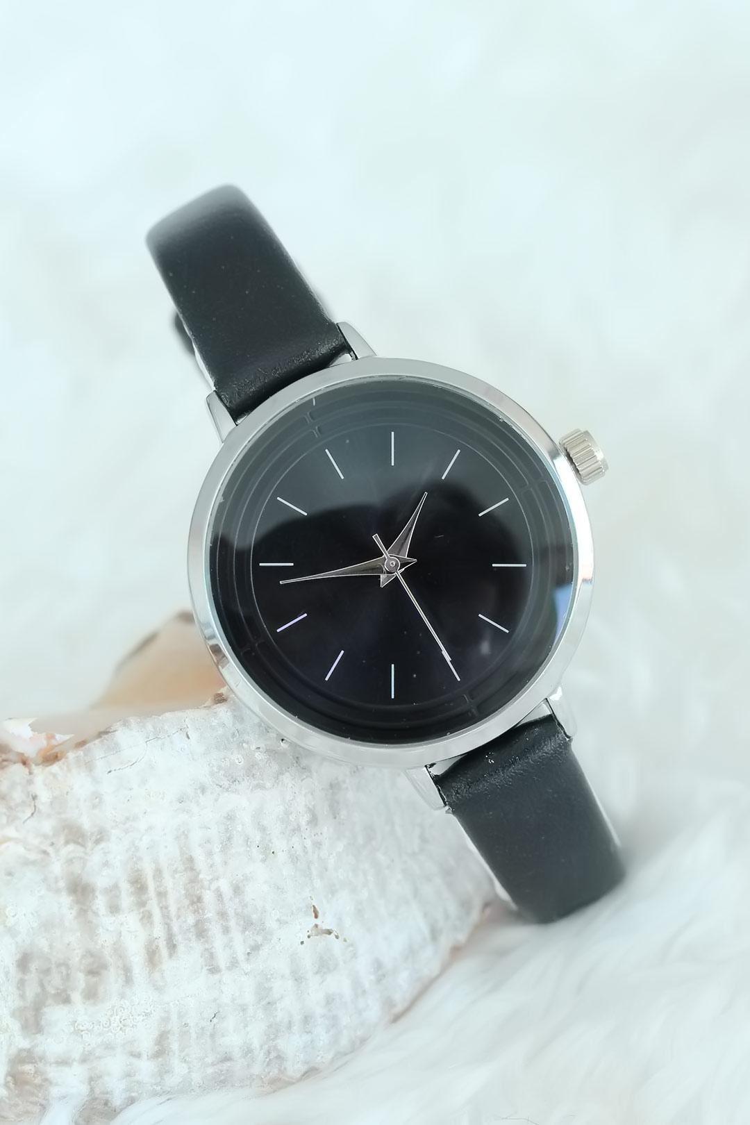 Siyah Renk Deri Kordon Silver Kasalı Bayan Saat