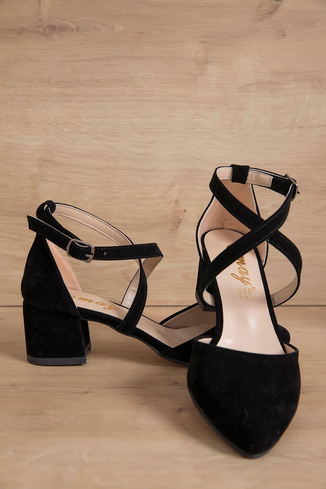 Çapraz Kemerli Topuklu Ayakkabı Siyah