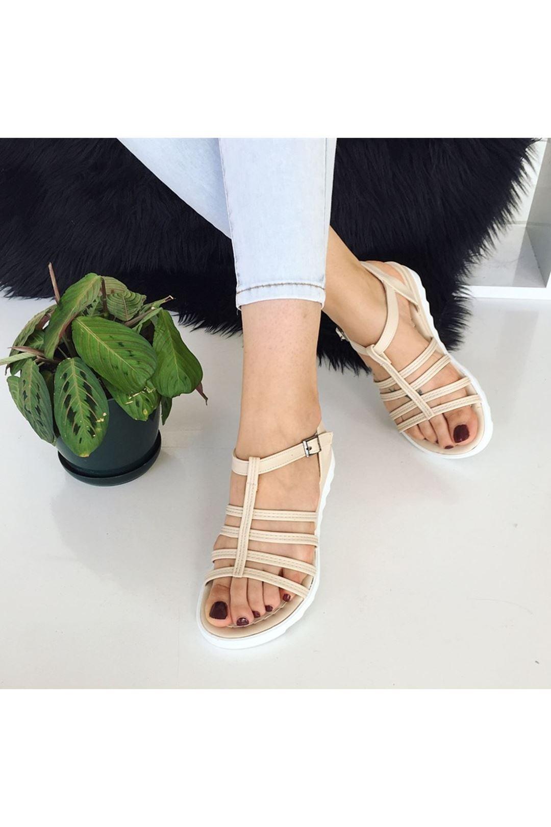 Kemerli Bej Kadın Sandalet  113175