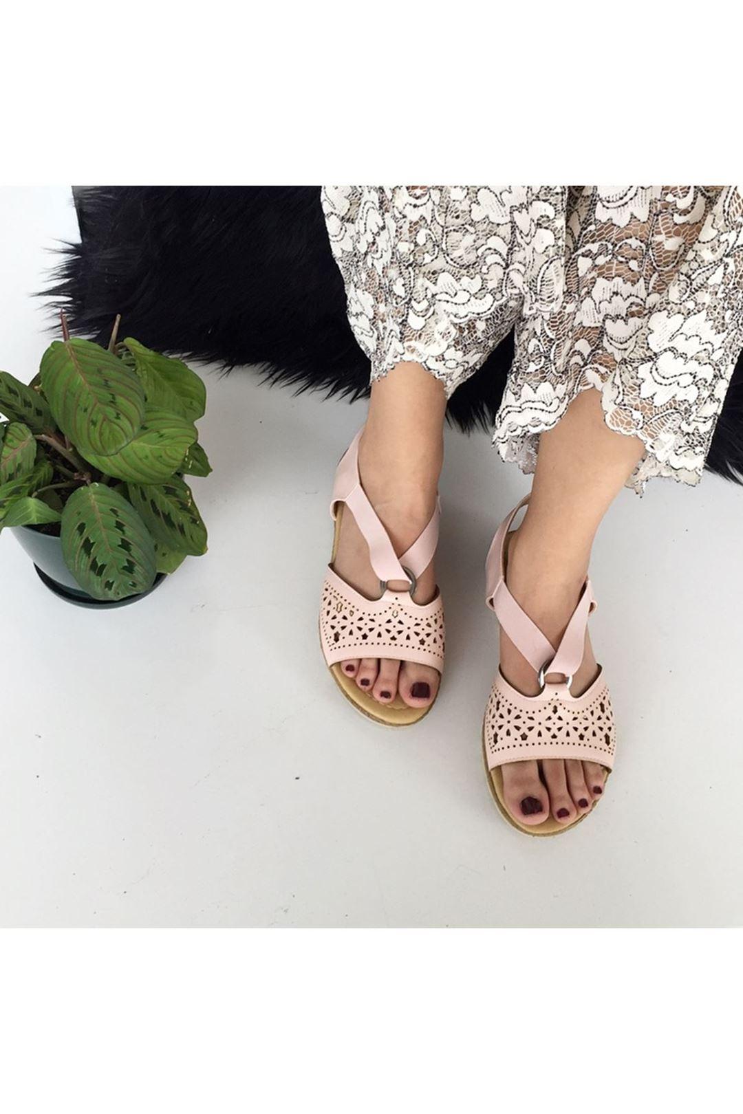 Bantlı Lastikli Pudra Kadın Sandalet 112855