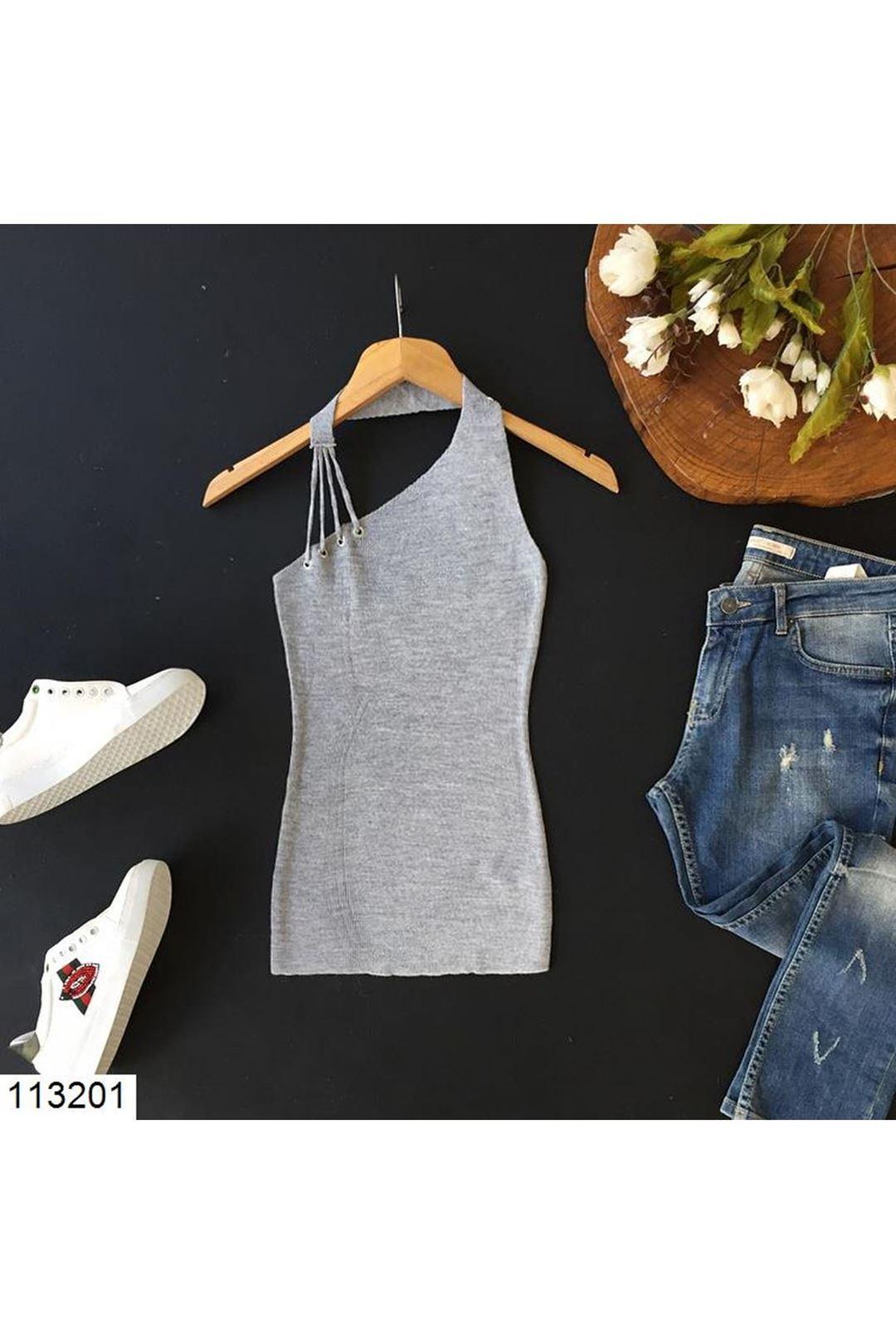 Yaka Detaylı Gri Kadın Triko Bluz 113201