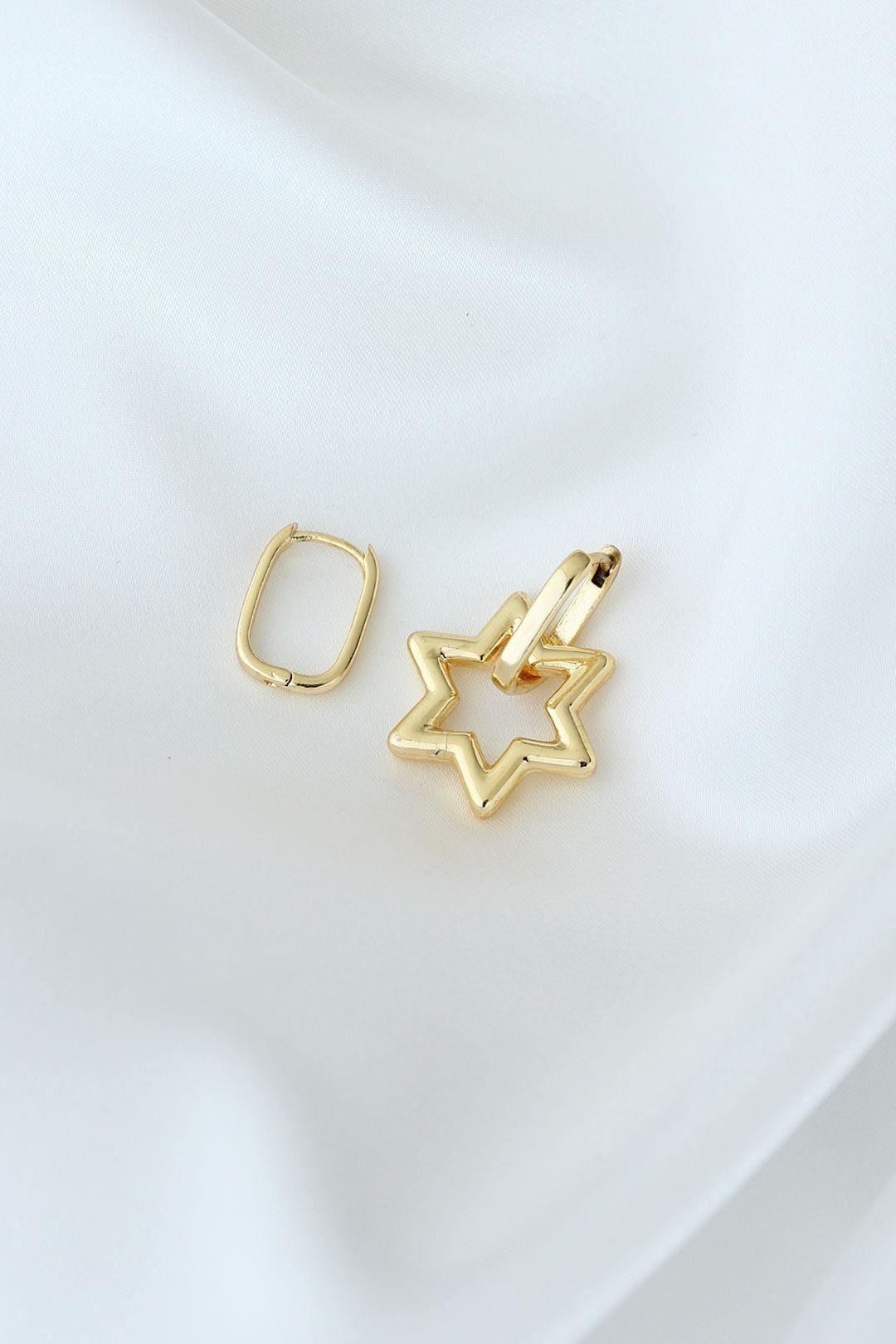 Yıldız Model Altın Renk Metal Kadın Küpe