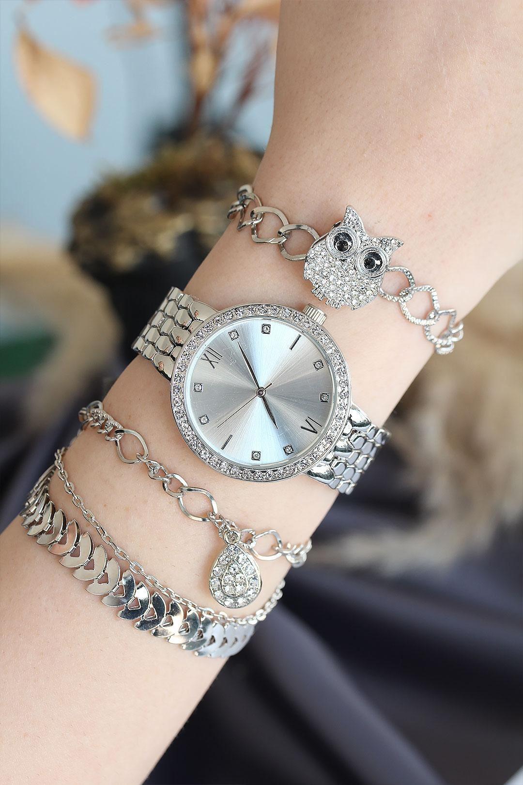 Roma Rakamlı Gümüş Renk Metal Taşlı Kasa Kadın Saat ve Bileklik Kombini