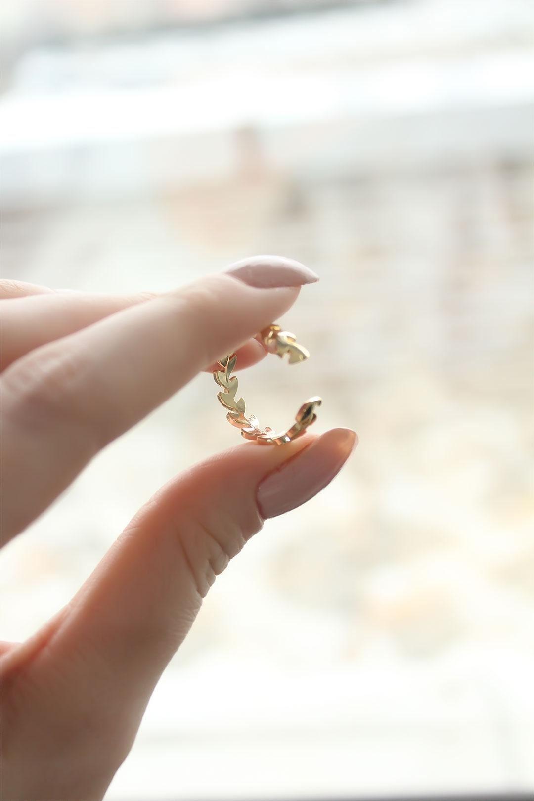Başak Tasarımlı Gold Ayarlanabilir Kadın Yüzük