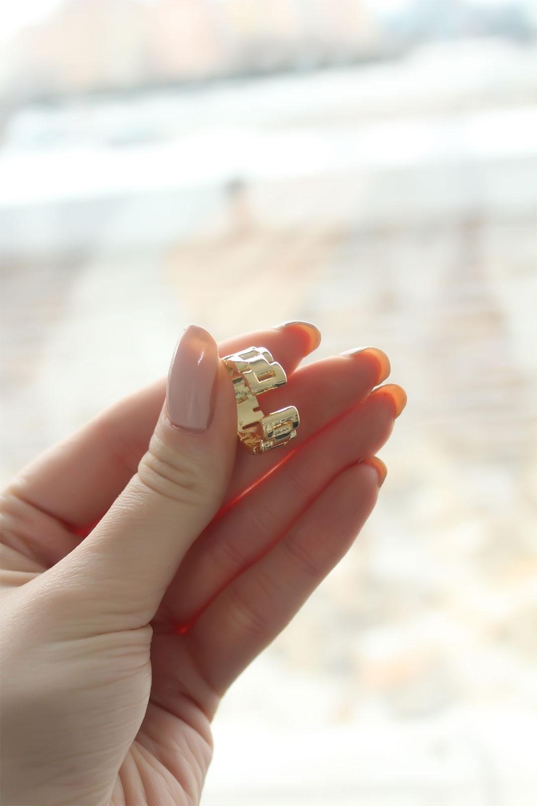 Metal Kordon Tasarım Gold Ayarlanabilir Kadın Yüzük