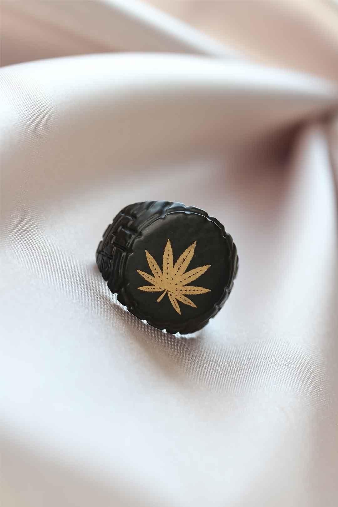Siyah Renk Metal Yapraklı Ayarlamalı Erkek Yüzük