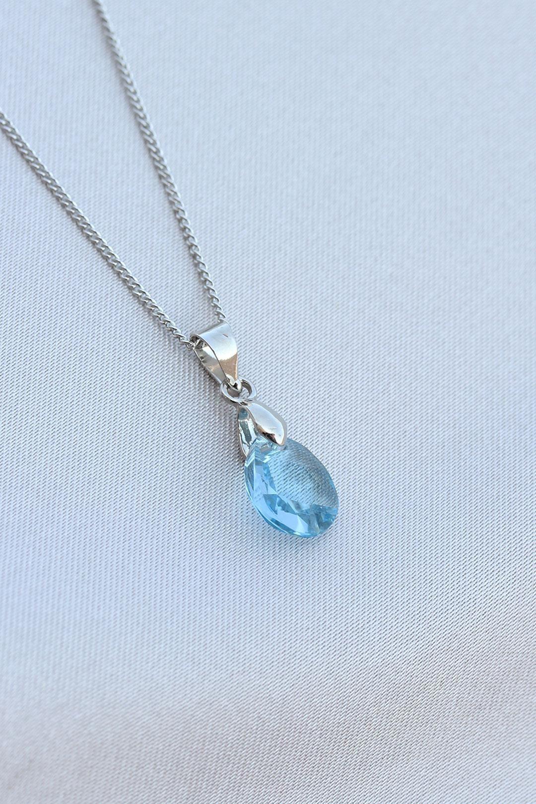 Mavi Taş Tasarımlı Gümüş Renk Kolye