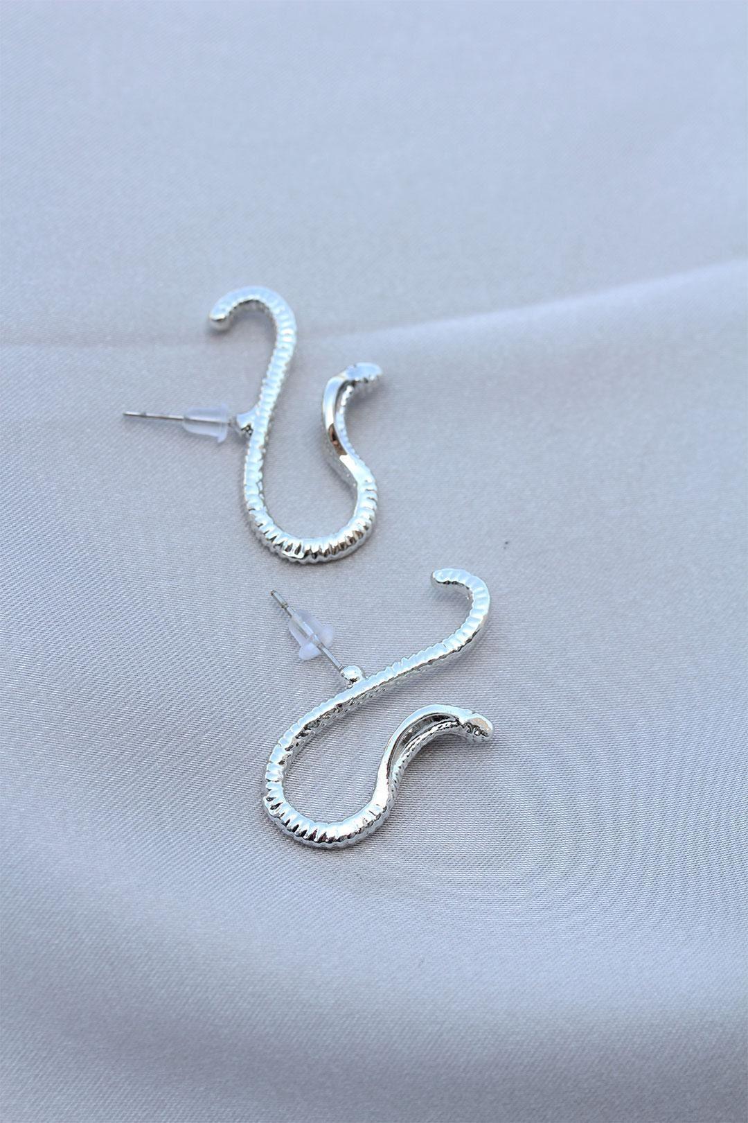Kobra Yılan Tasarımlı Gümüş Renk Küpe