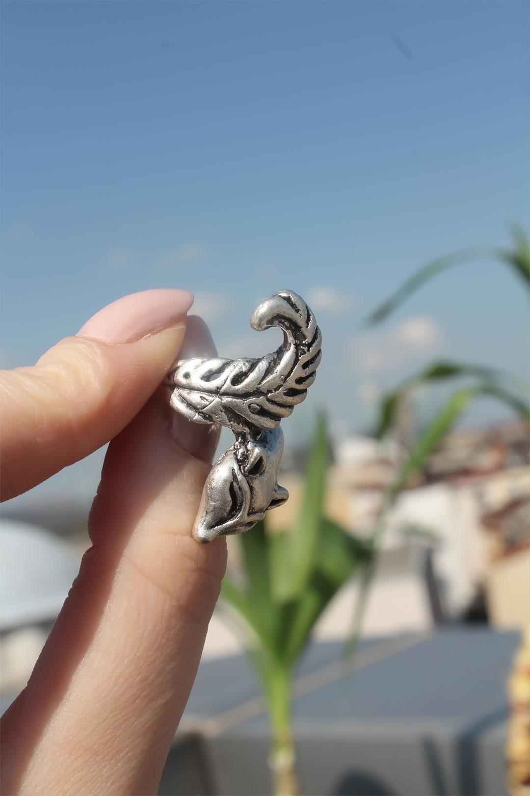 Tilki Tasarımlı Metal Ayarlamalı Antik Yüzük