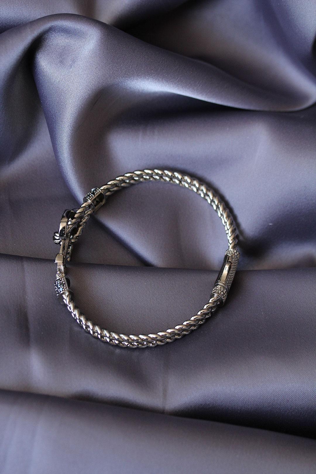 Antik Gümüş Renk Çapa Tasarımlı Zirkon Taşlı Lüx Bileklik