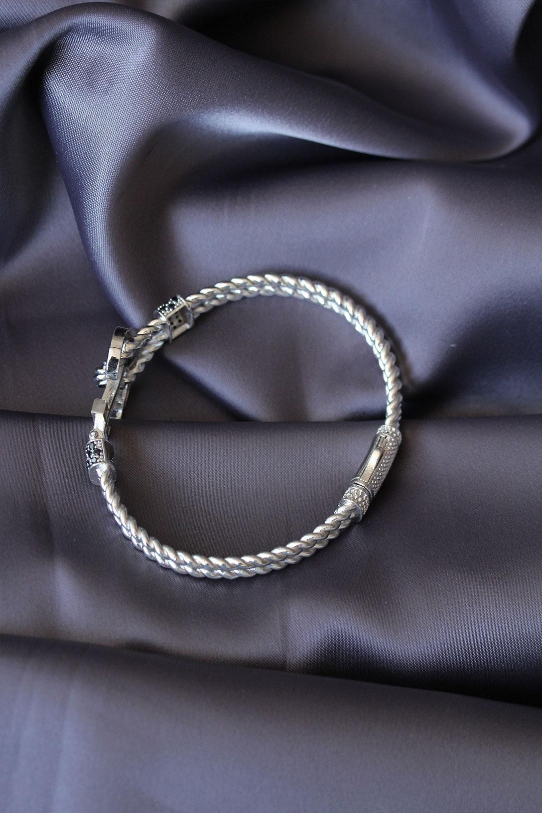 Silver Renk Çapa Tasarımlı Zirkon Taşlı Lüx Bileklik