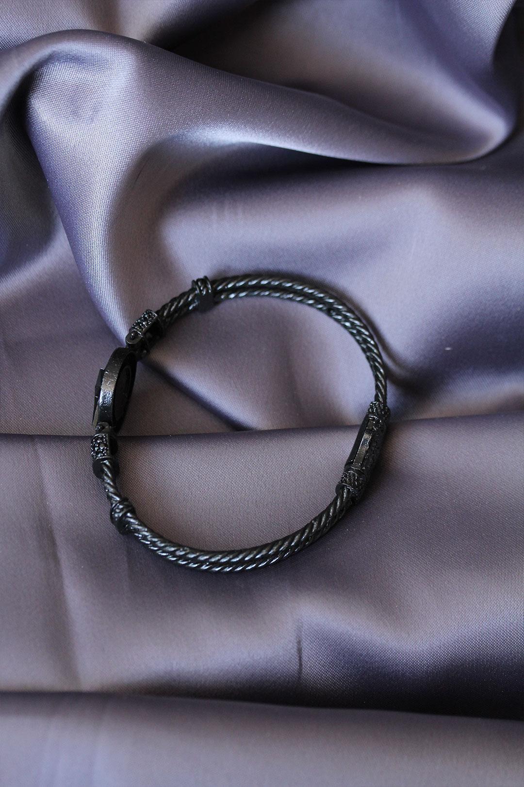 Siyah Renk Zirkon Taşlı Kutup Yıldızı Figürlü Lüx Bileklik