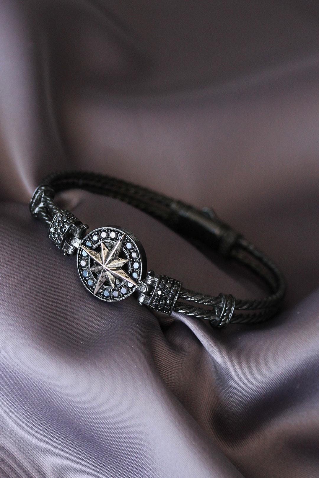 Siyah Renk Zirkon Taşlı Gümüş Renk Kutup Yıldızı Tasarımlı Lüx Bileklik