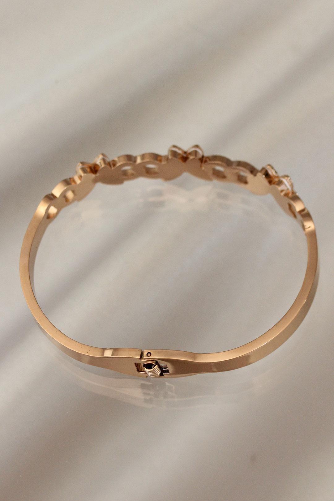 Kelebek Tasarımlı Zirkon Taşlı Gold Renk Çelik Bilezik