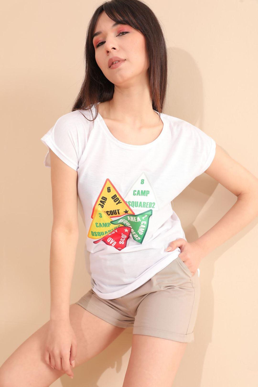 Üçgen Baskılı T-shirt Beyaz