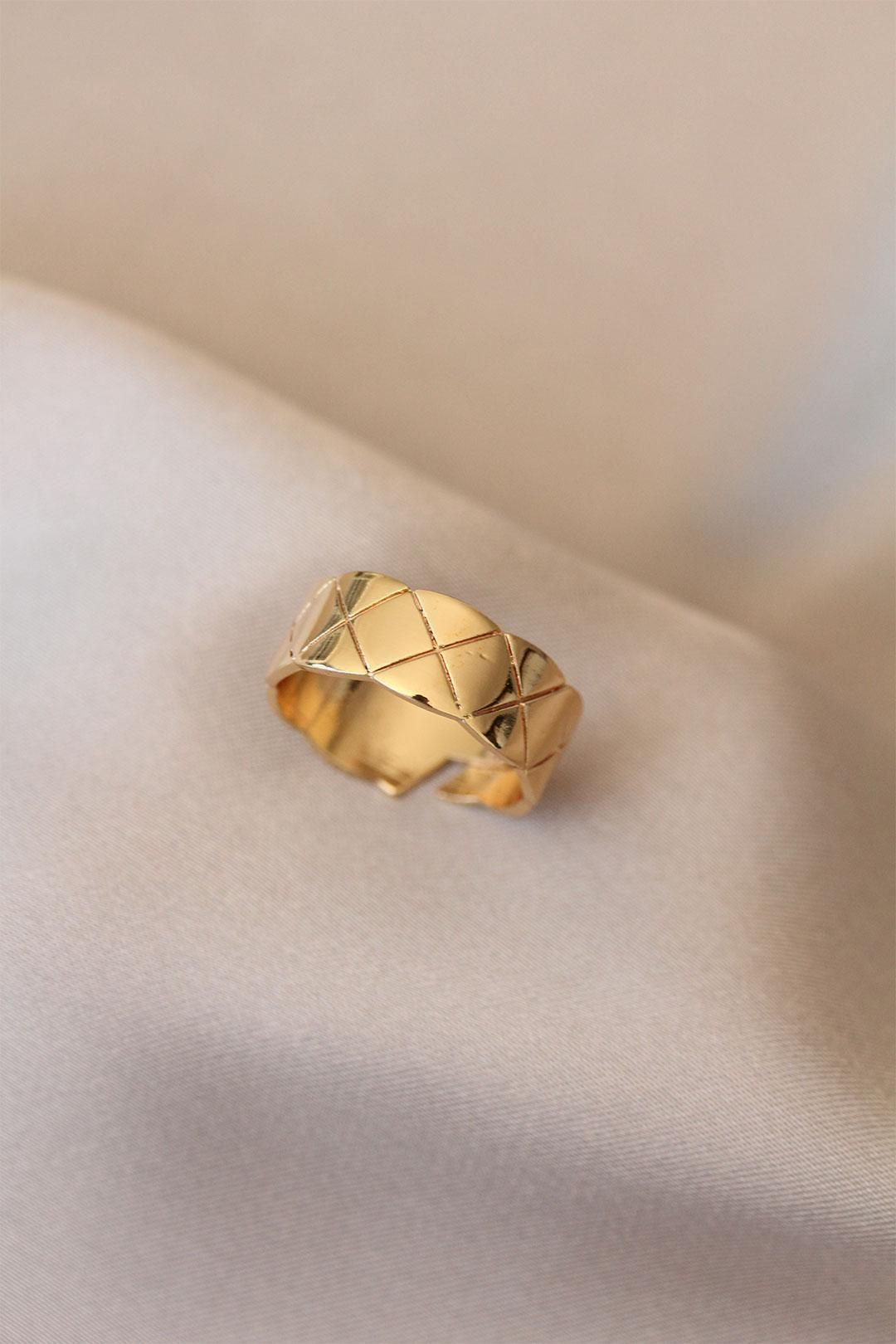 Çizgili Kalın Gold Renk Metal Yüzük