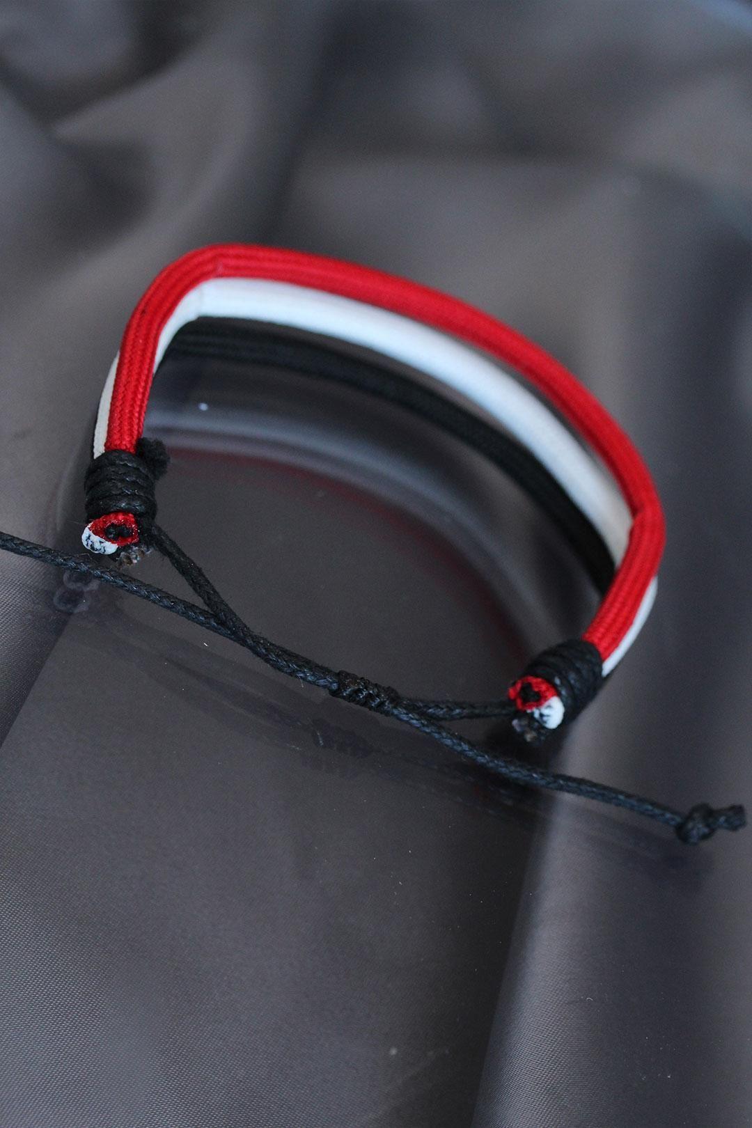 Siyah Beyaz Kırmızı Renkli İpli Bileklik
