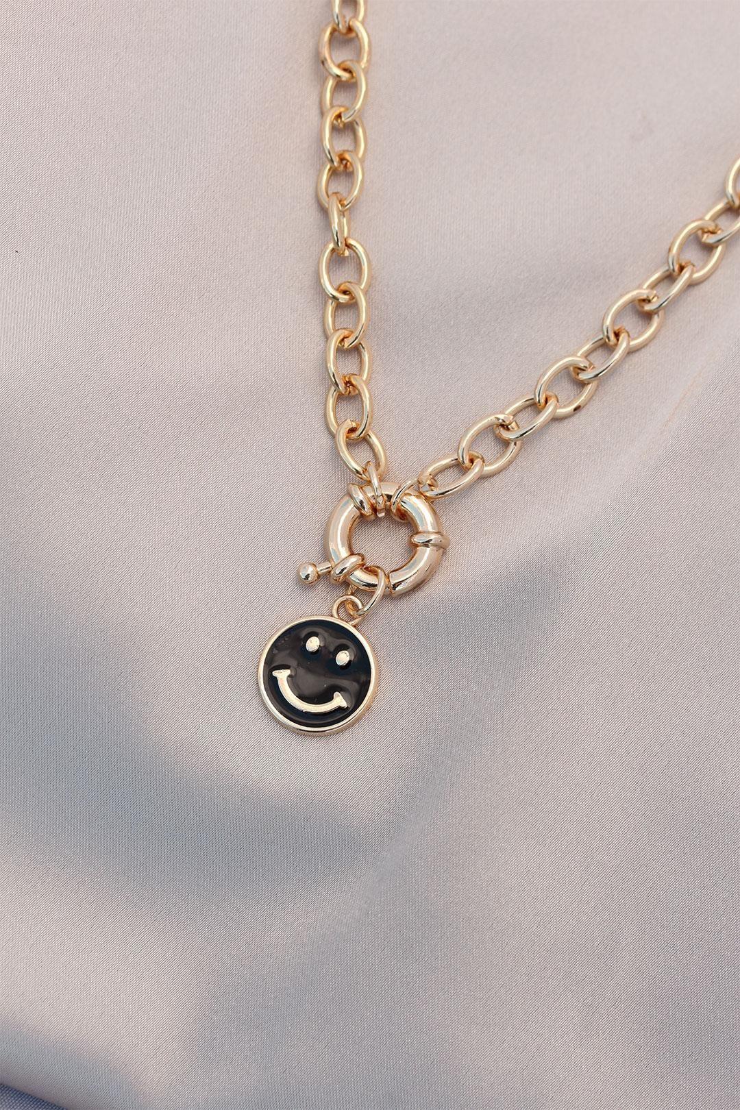 Yeni Sezon Siyah Renk Smile Model Retro Gold Metal Kolye