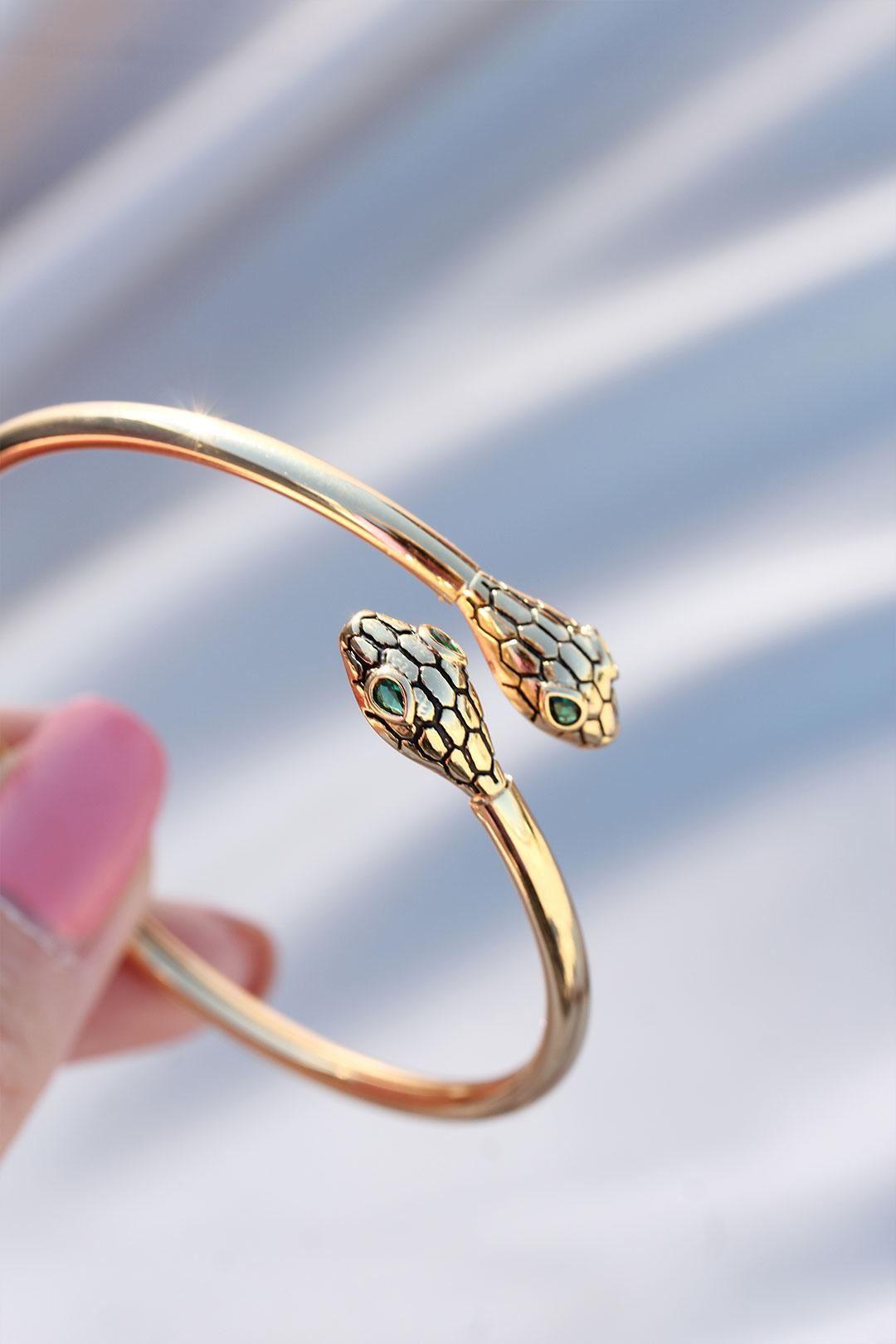 Yeşil Gözlü Yılan Tasarımlı Çelik Kelepçe Bileklik